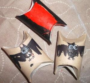 cajas de caramelos con rollos de papel higiénico