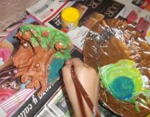 pintando arcilla