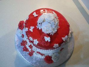 tarta de rosas rellena de buttercream