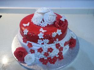 Tarta de rosas y perlas de azucar 1