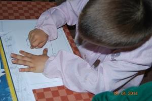 Dibujo de elefante al pastel pintado por niños 2