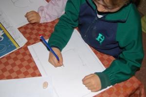 Dibujo de elefante al pastel pintado por niños 3