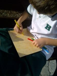 dibujo al aire libre con pasteles por niños14