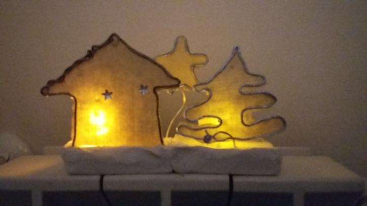 escultura pueblo navidad papel y alambre