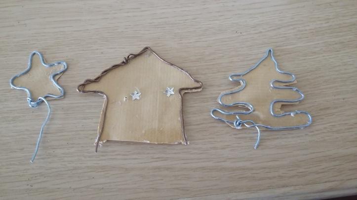 escultura pueblo navidad papel y alambre4